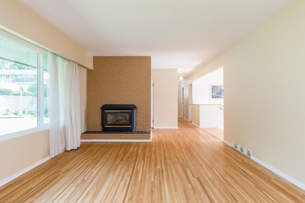 Detached at 1371 E 17TH STREET, North Vancouver, British Columbia. Image 2