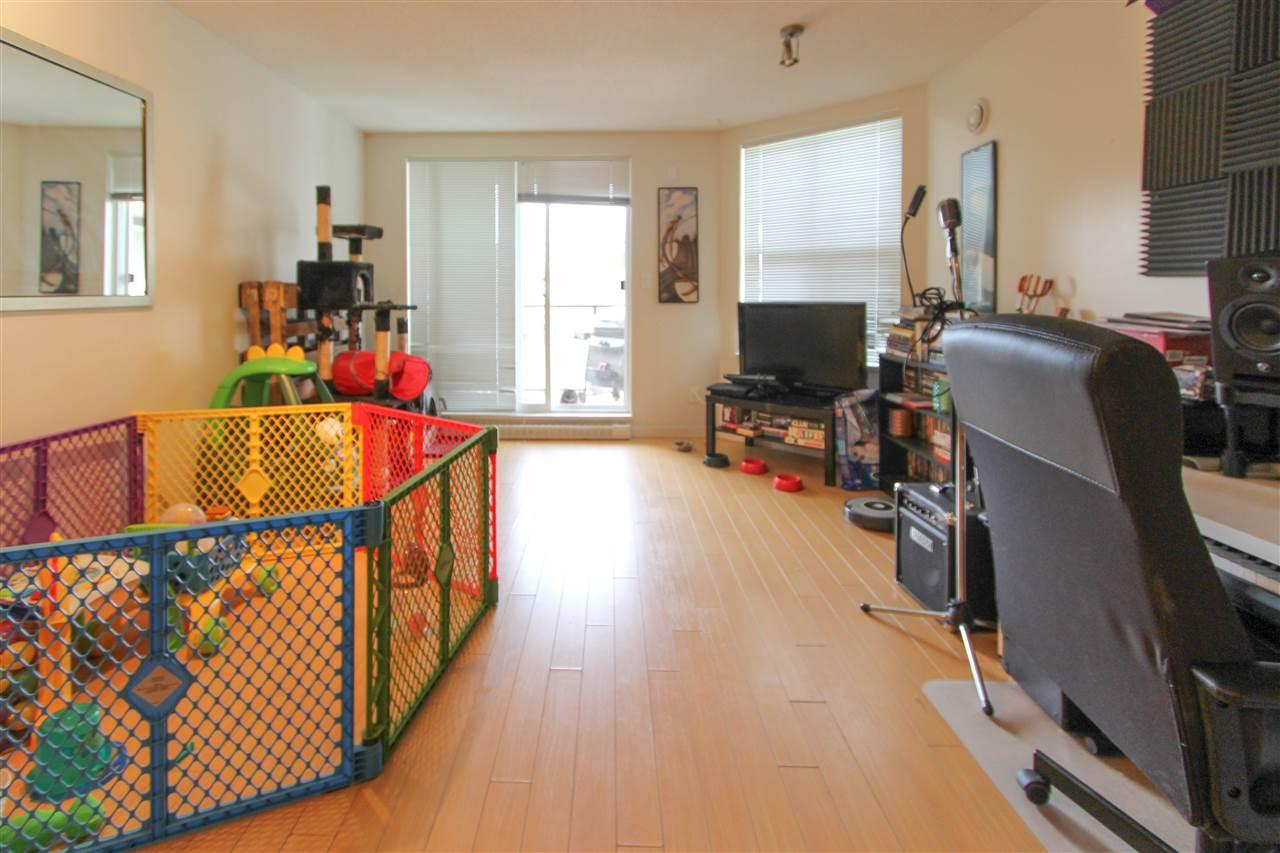 Condo Apartment at 402 10707 139 STREET, Unit 402, North Surrey, British Columbia. Image 1