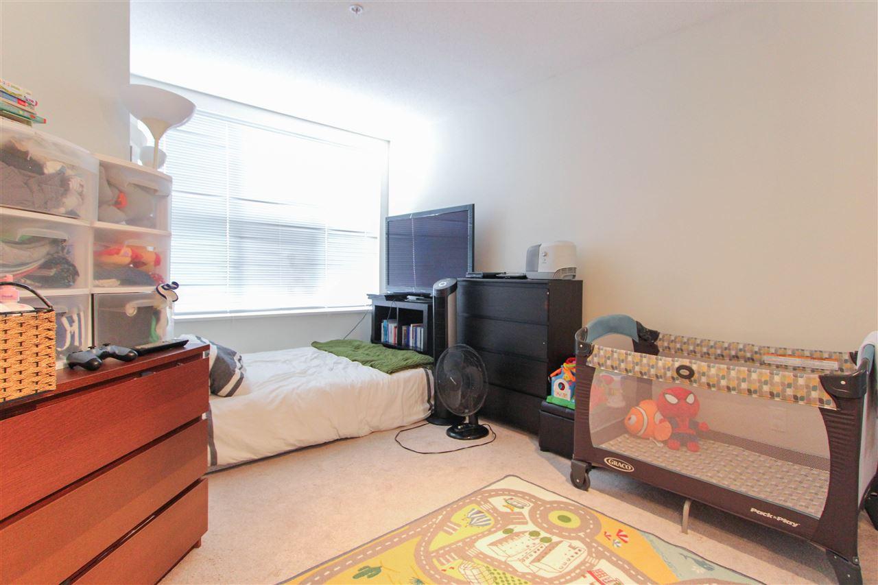 Condo Apartment at 402 10707 139 STREET, Unit 402, North Surrey, British Columbia. Image 2