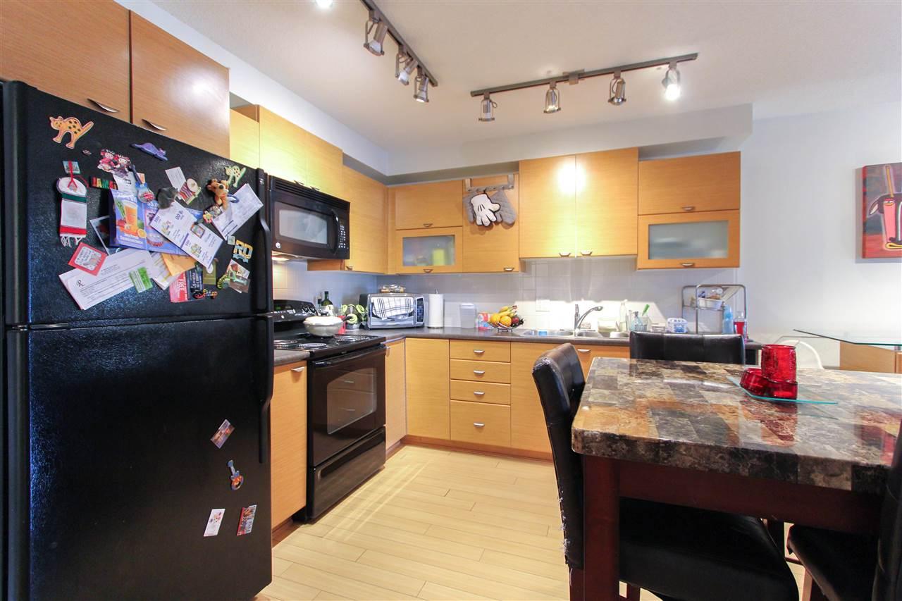 Condo Apartment at 402 10707 139 STREET, Unit 402, North Surrey, British Columbia. Image 3