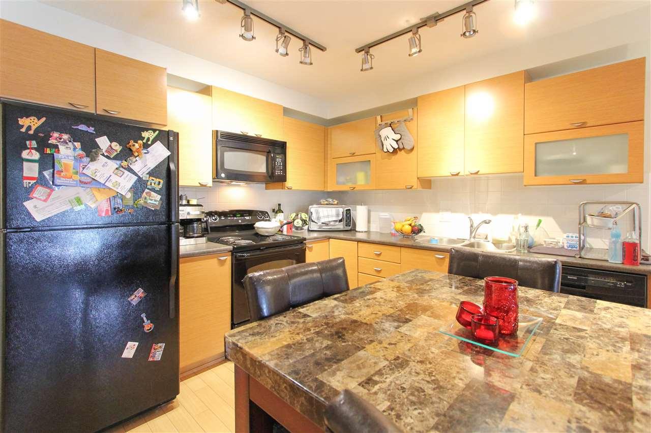 Condo Apartment at 402 10707 139 STREET, Unit 402, North Surrey, British Columbia. Image 5