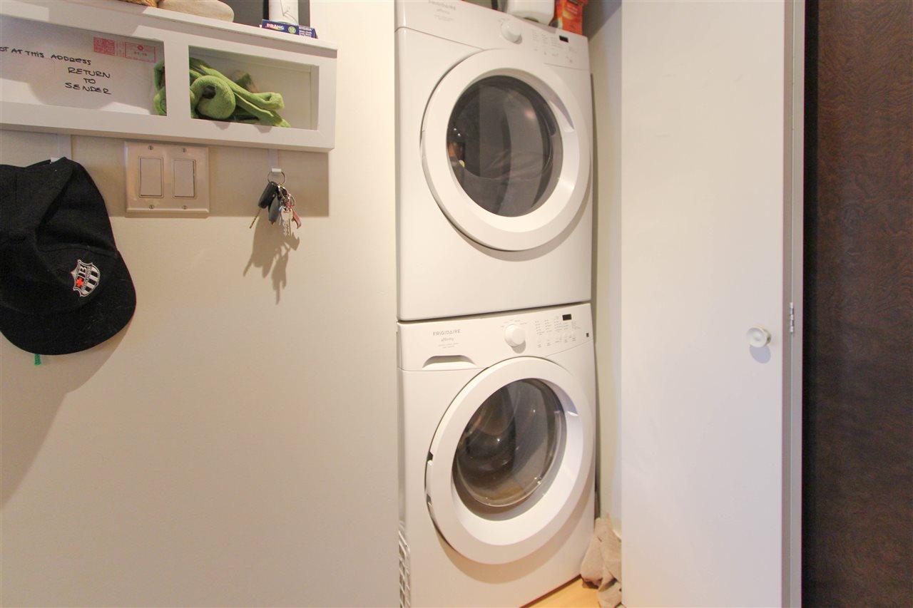 Condo Apartment at 402 10707 139 STREET, Unit 402, North Surrey, British Columbia. Image 6