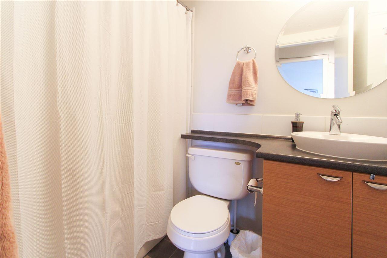 Condo Apartment at 402 10707 139 STREET, Unit 402, North Surrey, British Columbia. Image 7