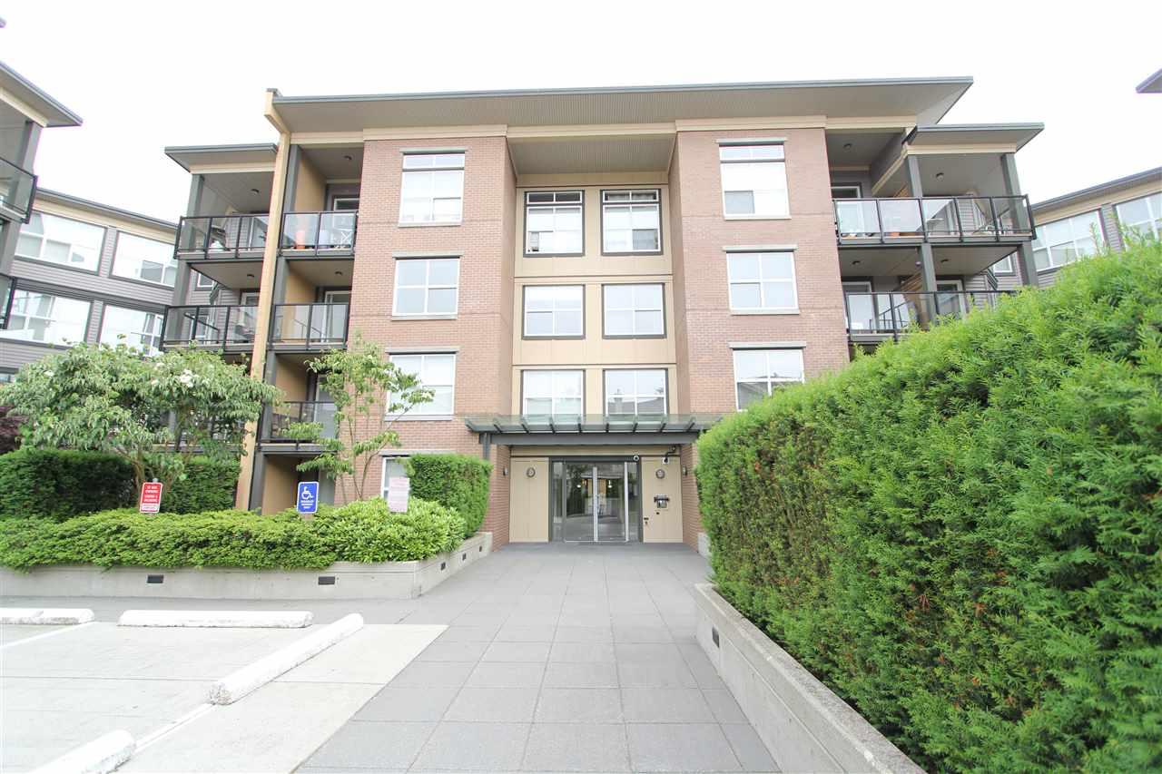 Condo Apartment at 402 10707 139 STREET, Unit 402, North Surrey, British Columbia. Image 9