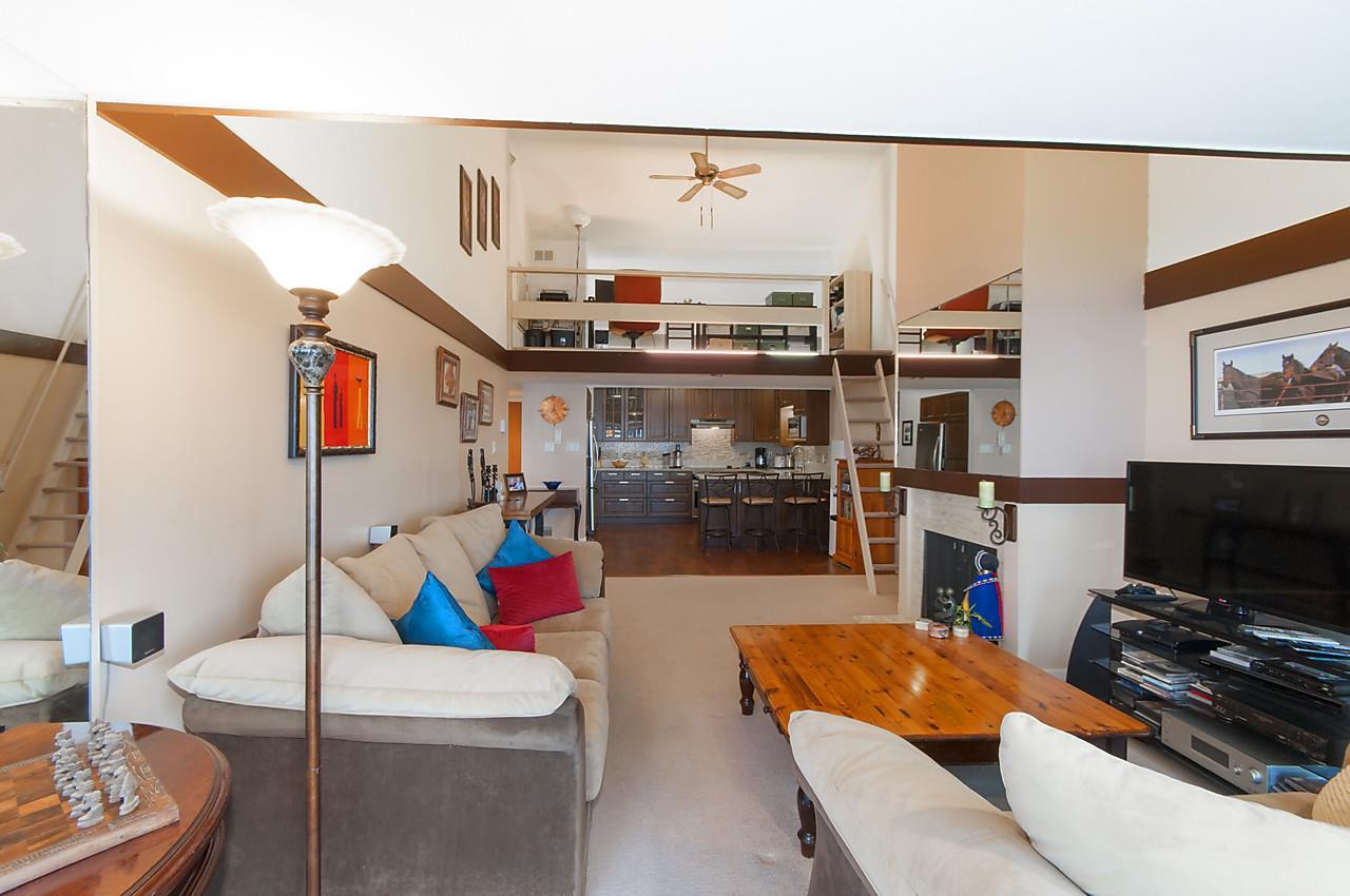 Condo Apartment at 49 2202 FOLKESTONE WAY, Unit 49, West Vancouver, British Columbia. Image 3