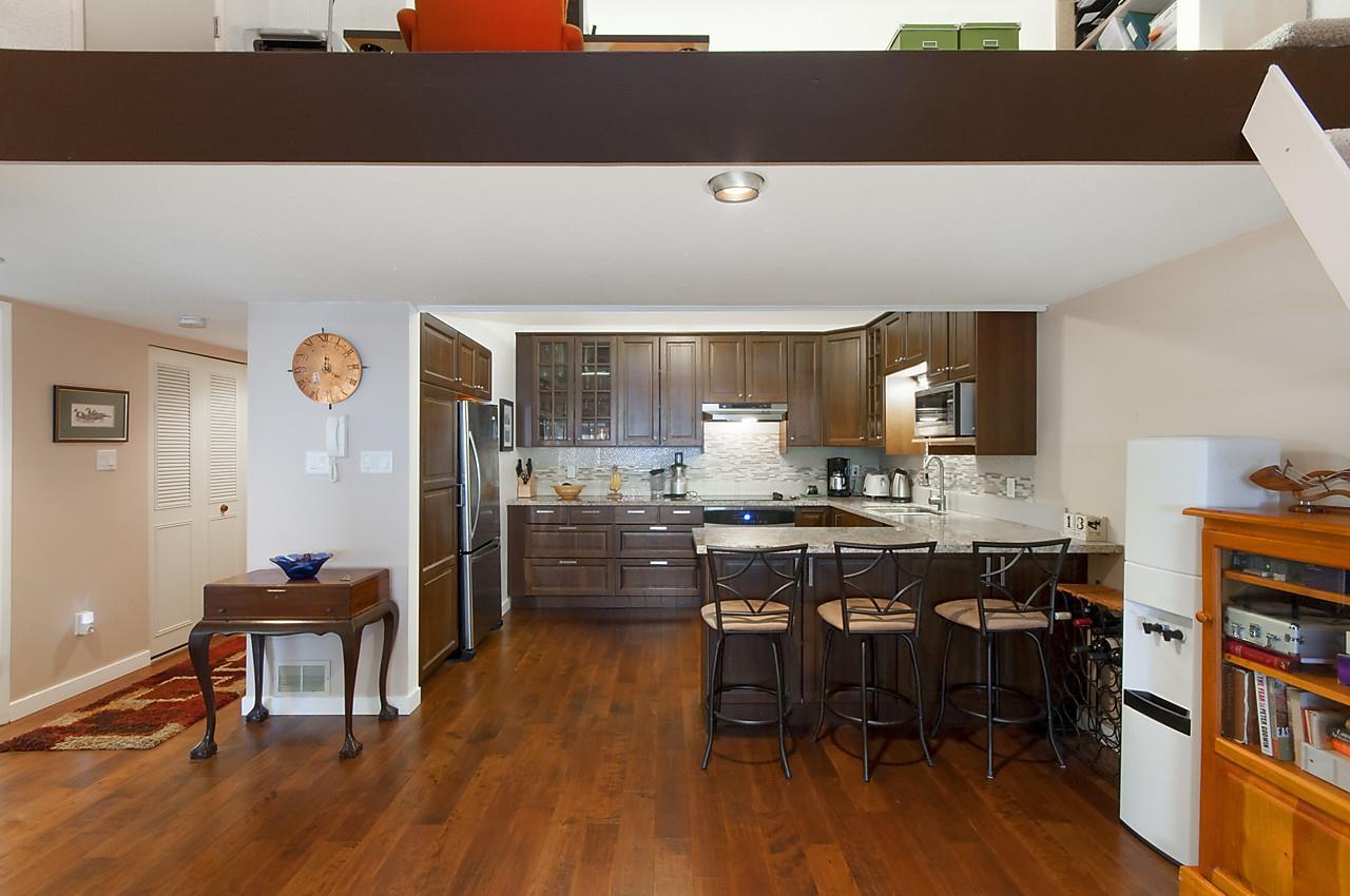 Condo Apartment at 49 2202 FOLKESTONE WAY, Unit 49, West Vancouver, British Columbia. Image 8