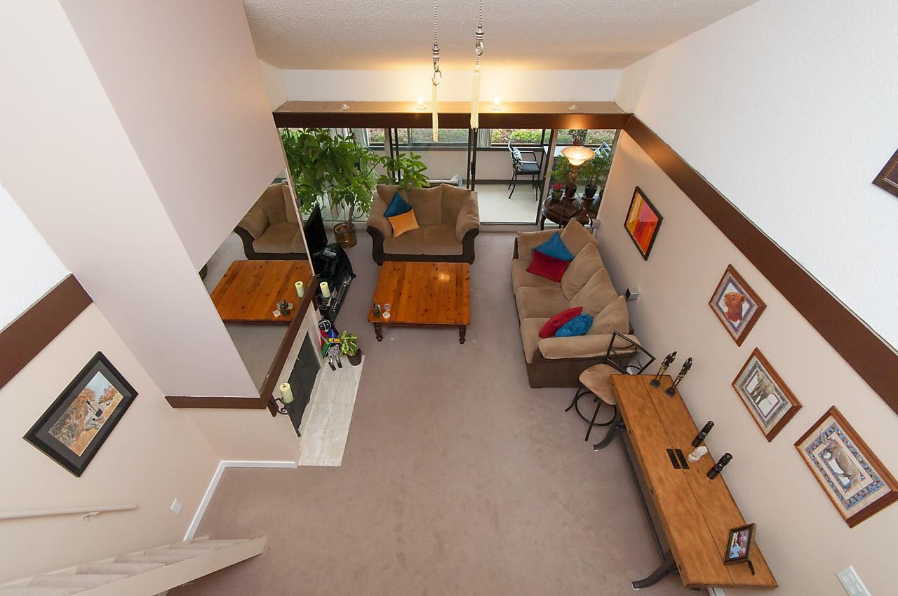 Condo Apartment at 49 2202 FOLKESTONE WAY, Unit 49, West Vancouver, British Columbia. Image 10