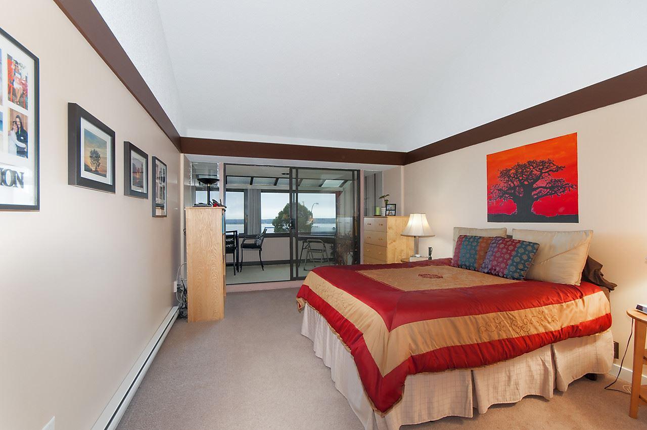 Condo Apartment at 49 2202 FOLKESTONE WAY, Unit 49, West Vancouver, British Columbia. Image 11