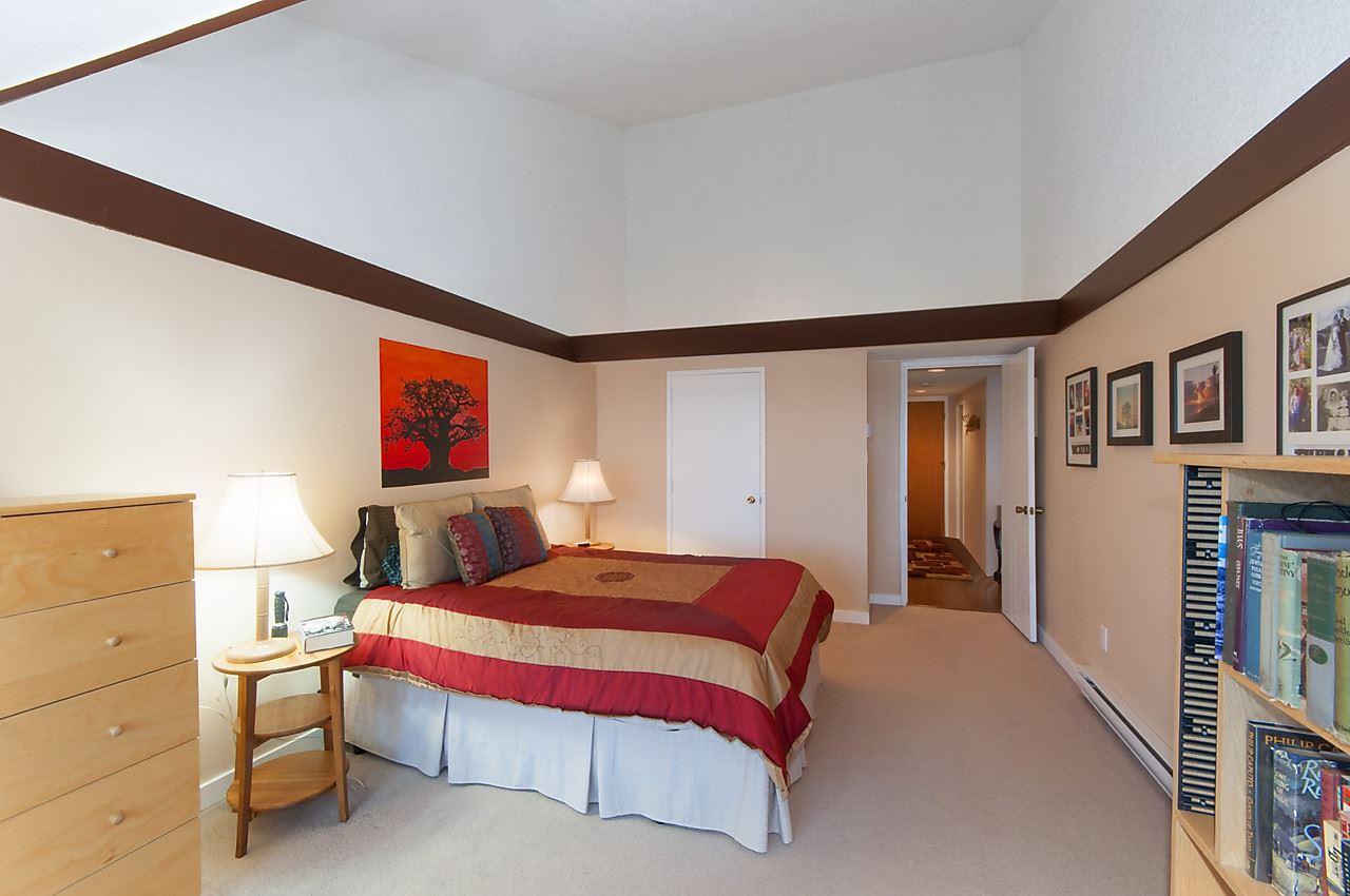 Condo Apartment at 49 2202 FOLKESTONE WAY, Unit 49, West Vancouver, British Columbia. Image 12