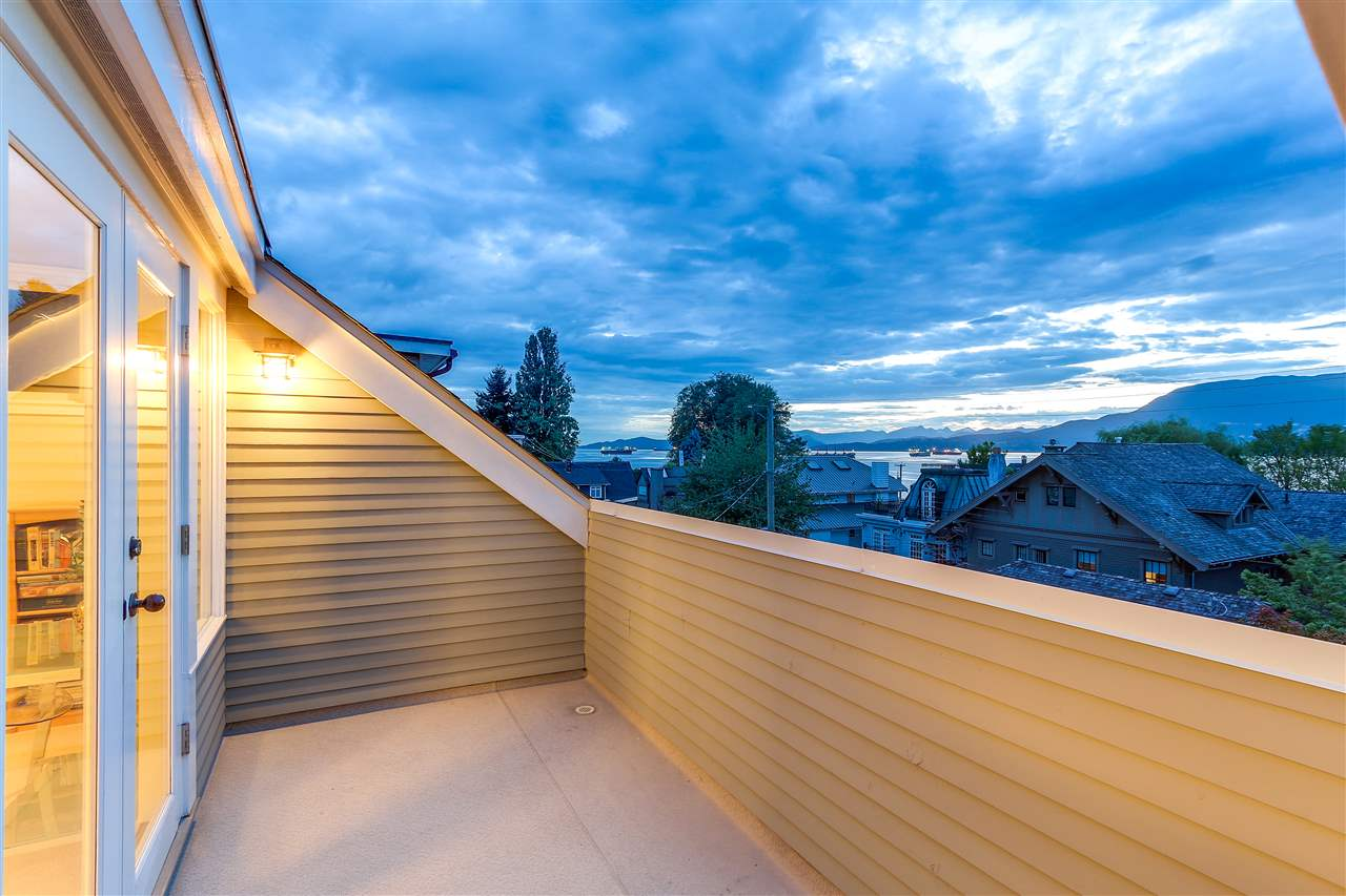Half-duplex at 2517 CORNWALL AVENUE, Vancouver West, British Columbia. Image 3