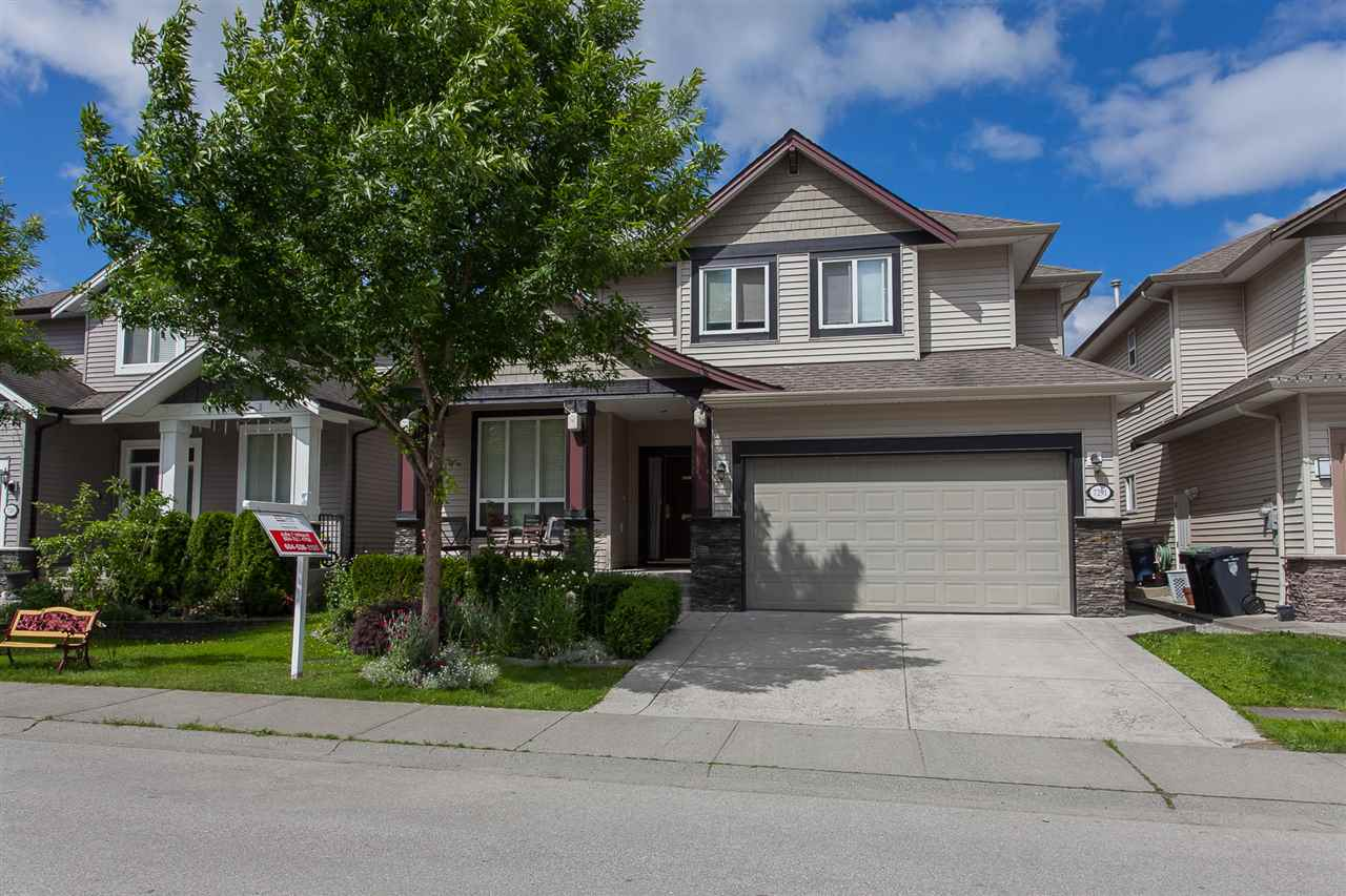 Detached at 7291 197 STREET, Langley, British Columbia. Image 1