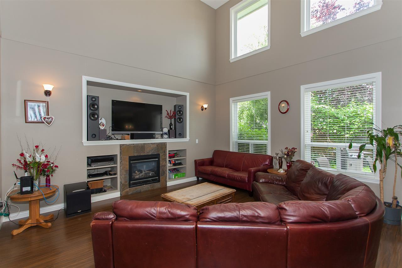 Detached at 7291 197 STREET, Langley, British Columbia. Image 3