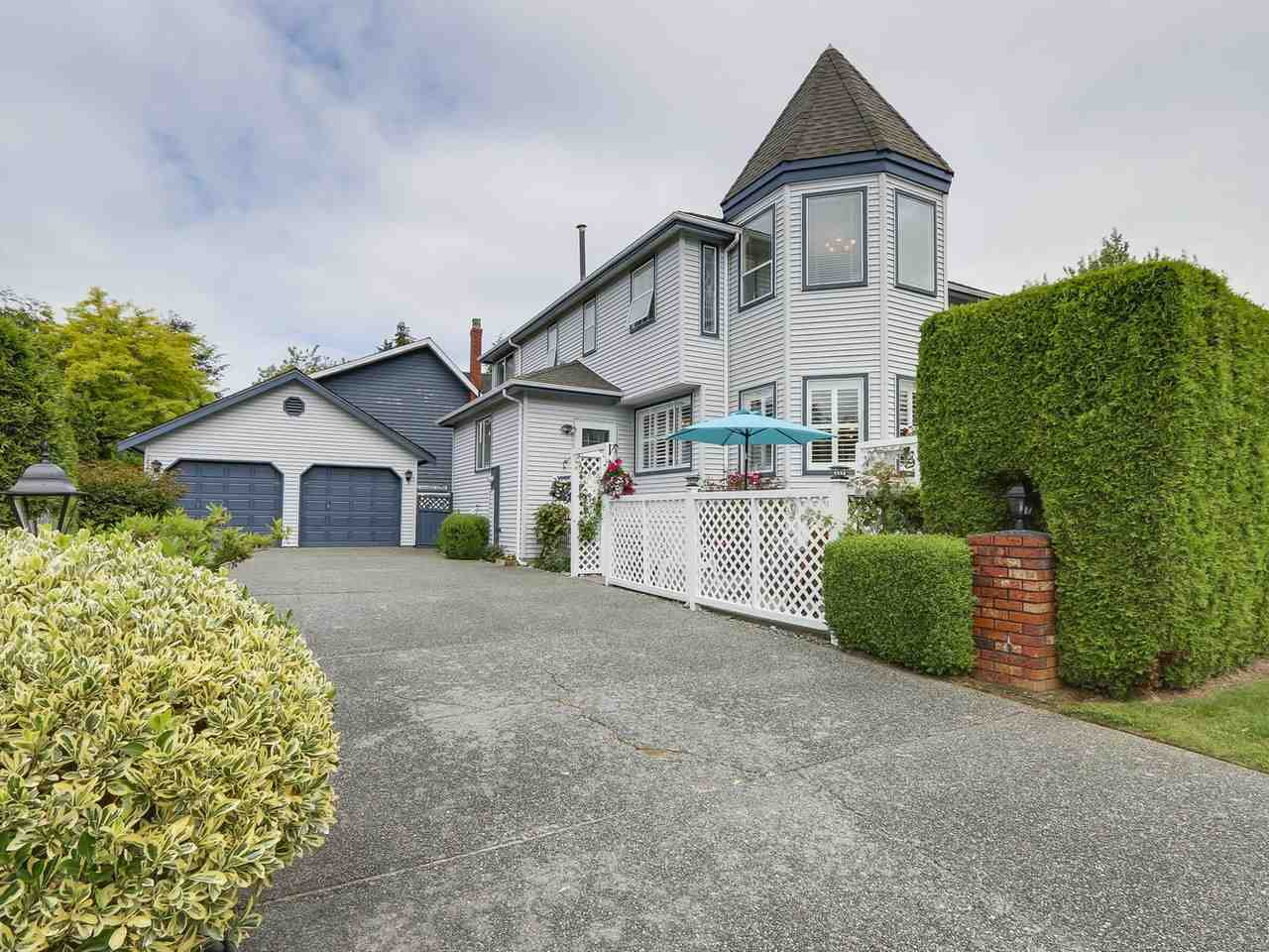 Detached at 13082 19 AVENUE, South Surrey White Rock, British Columbia. Image 19