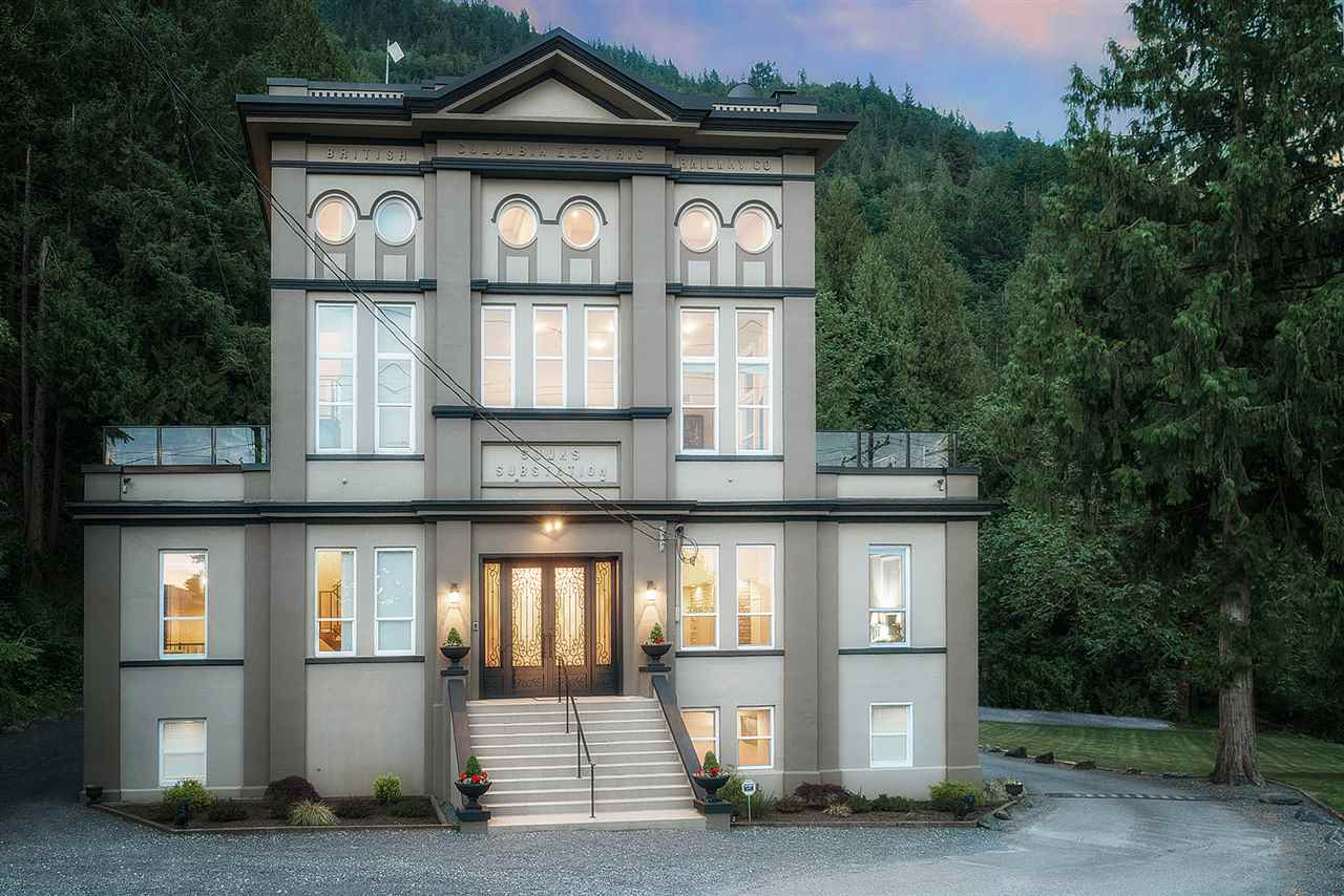 Detached at 39623 OLD YALE ROAD, Abbotsford, British Columbia. Image 1