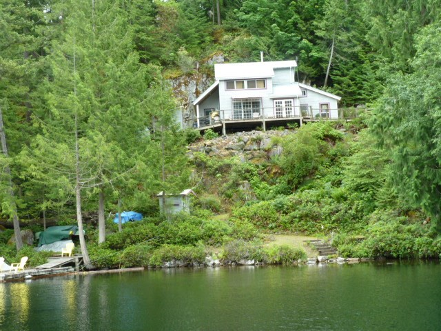 Detached at 4715 SHADY LANE, Sunshine Coast, British Columbia. Image 4