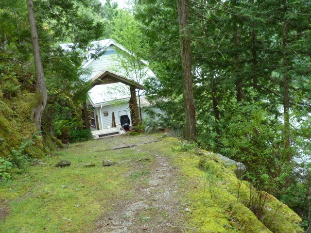 Detached at 4715 SHADY LANE, Sunshine Coast, British Columbia. Image 5