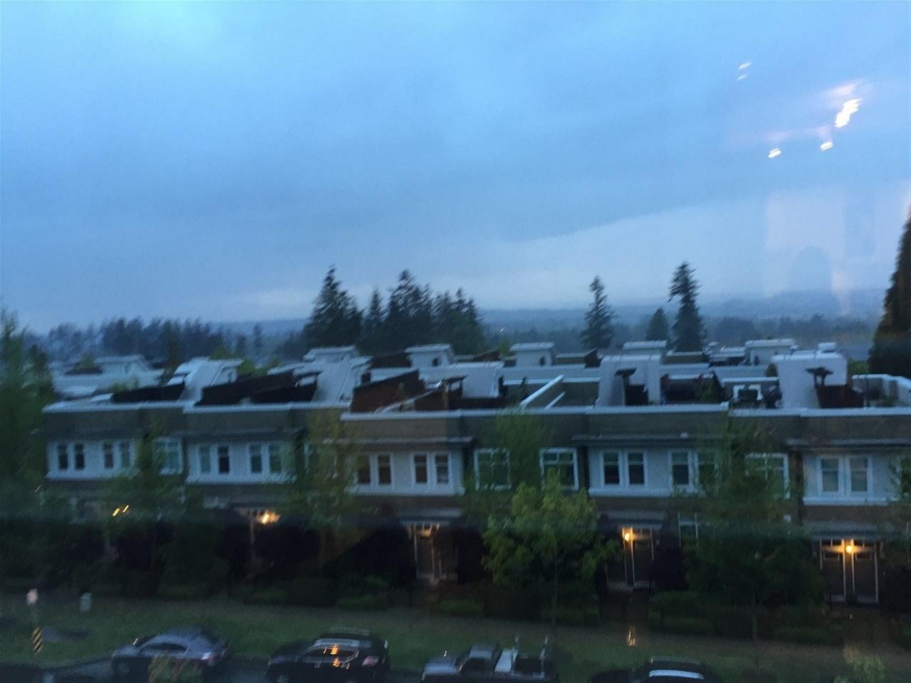 Condo Apartment at 311 15850 26 AVENUE, Unit 311, South Surrey White Rock, British Columbia. Image 1