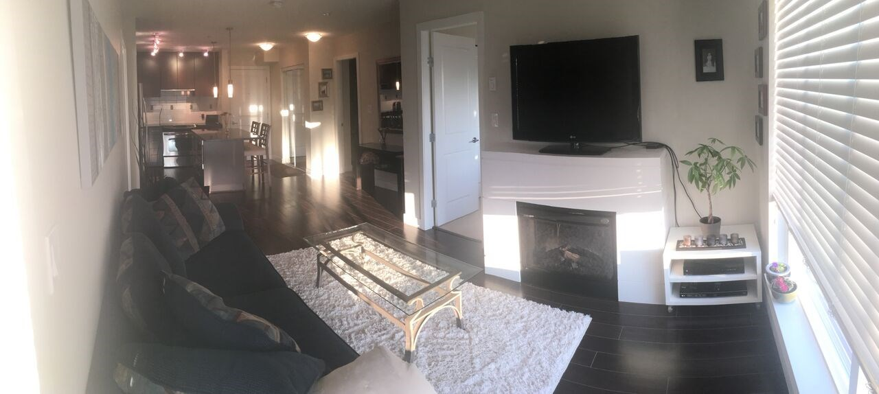 Condo Apartment at 311 15850 26 AVENUE, Unit 311, South Surrey White Rock, British Columbia. Image 3