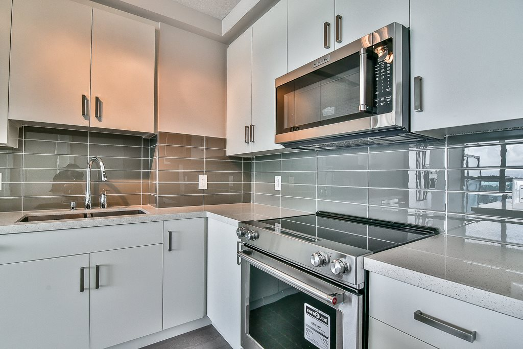 Condo Apartment at 1703 11967 80TH STREET, Unit 1703, N. Delta, British Columbia. Image 7