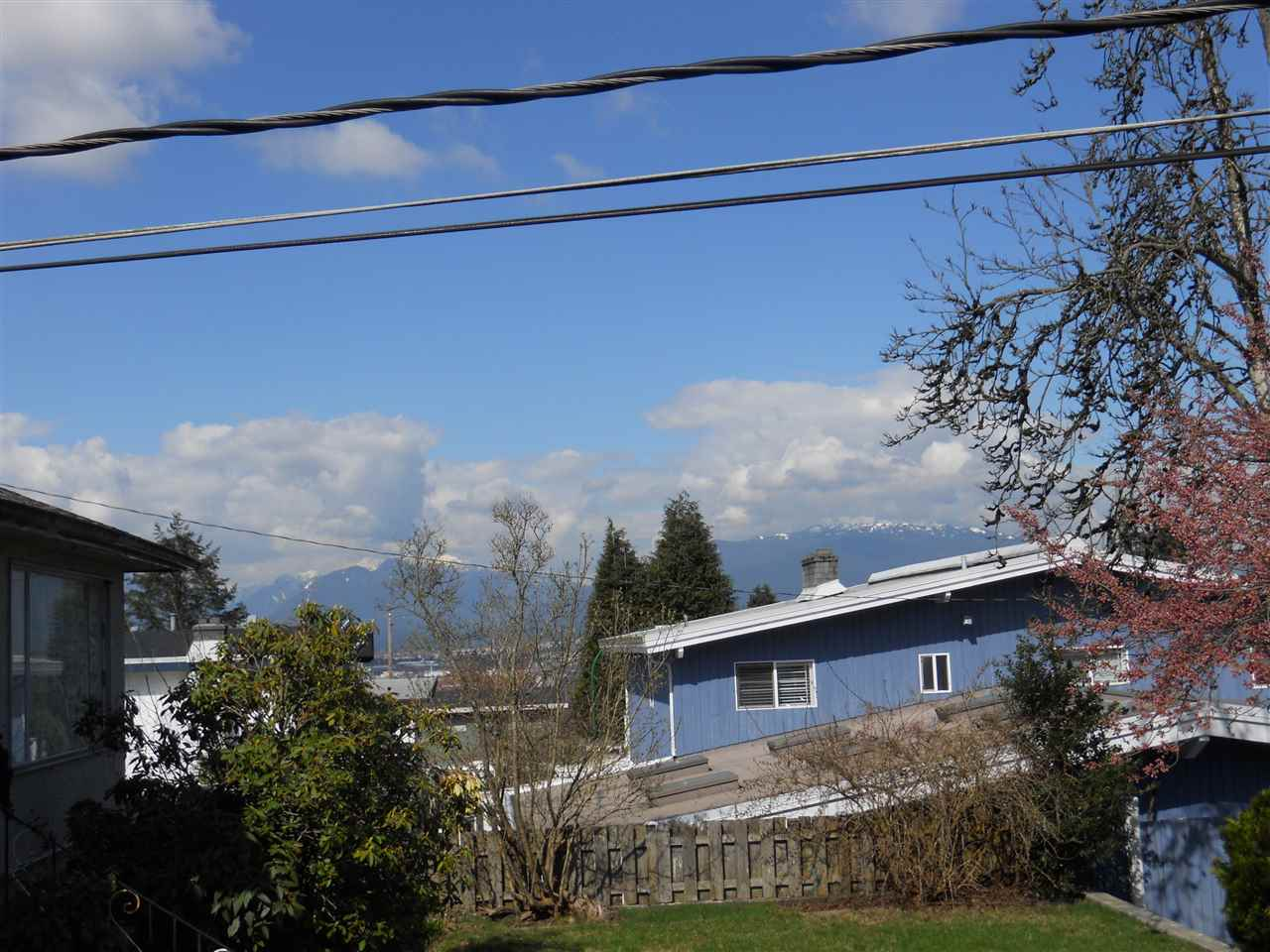 Detached at 5527 SUSSEX AVENUE, Burnaby South, British Columbia. Image 3