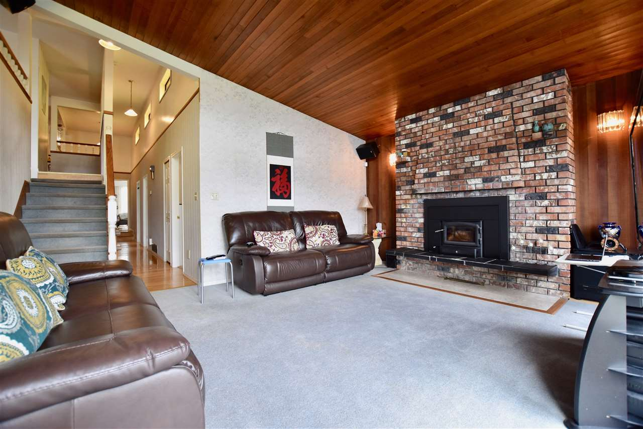 Detached at 3856-58 MOSCROP STREET, Burnaby South, British Columbia. Image 8