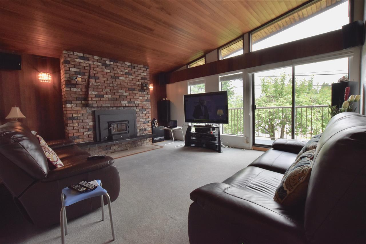 Detached at 3856-58 MOSCROP STREET, Burnaby South, British Columbia. Image 11