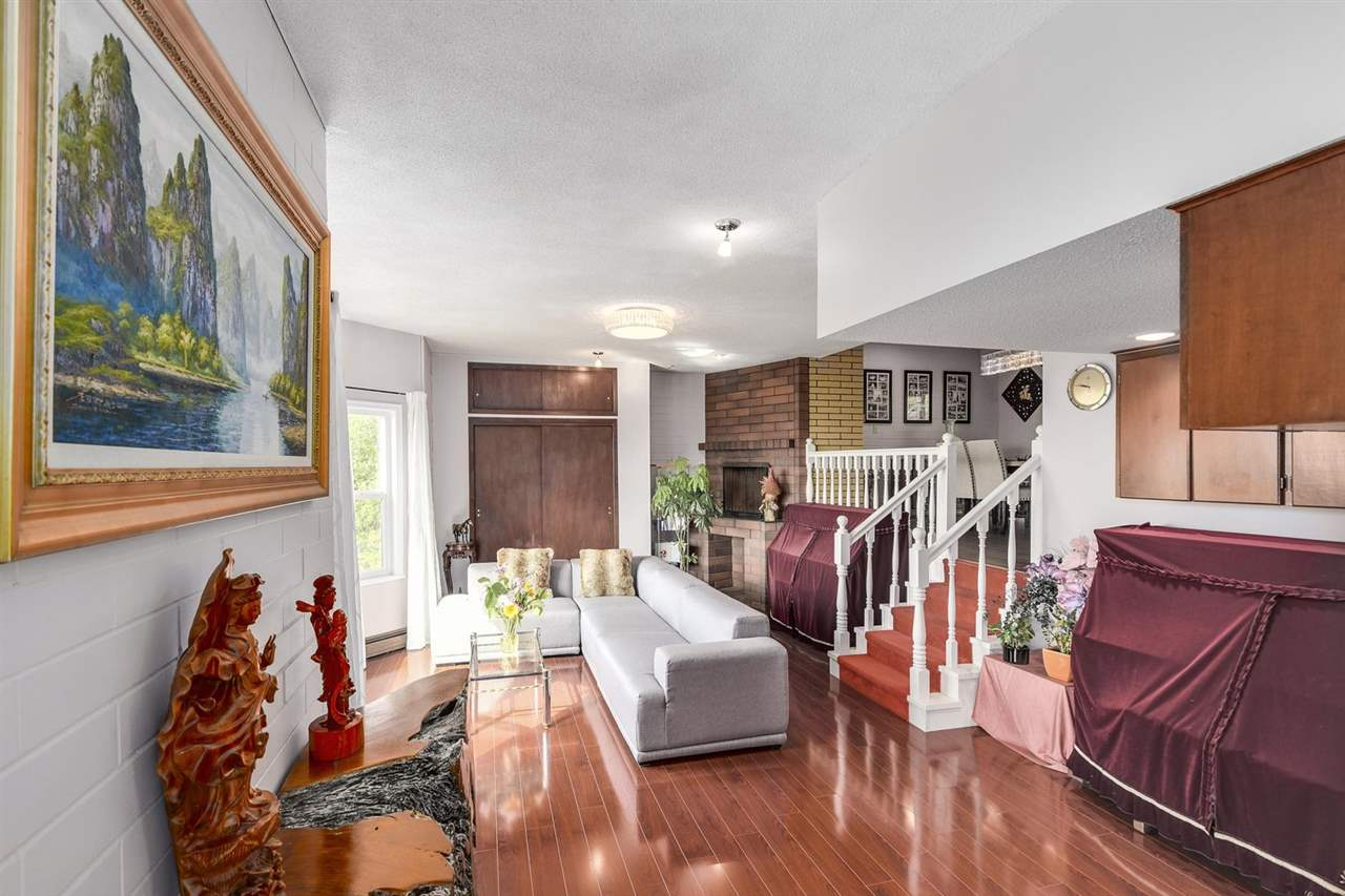 Detached at 1063 MILLSTREAM ROAD, West Vancouver, British Columbia. Image 5