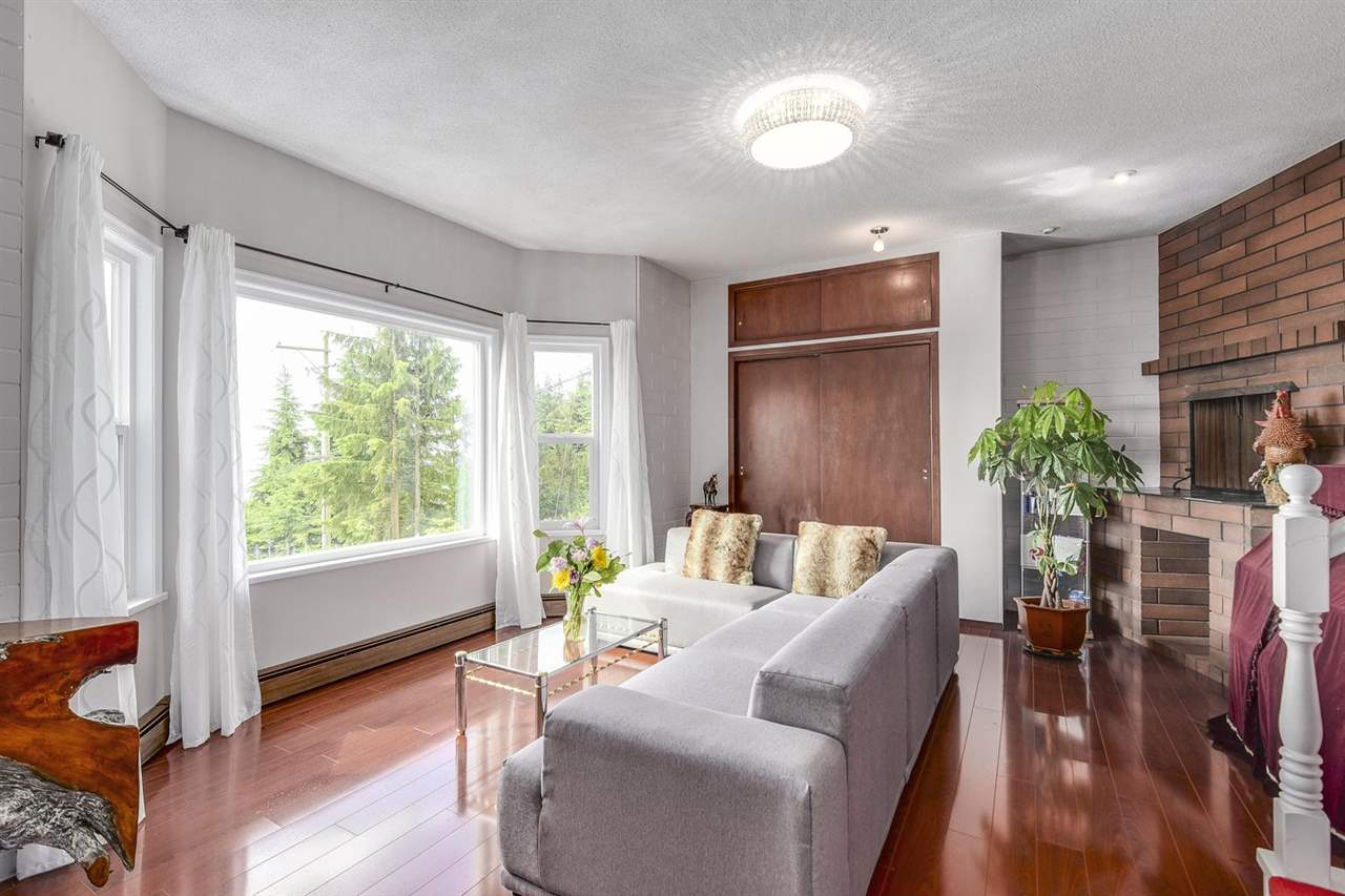 Detached at 1063 MILLSTREAM ROAD, West Vancouver, British Columbia. Image 6