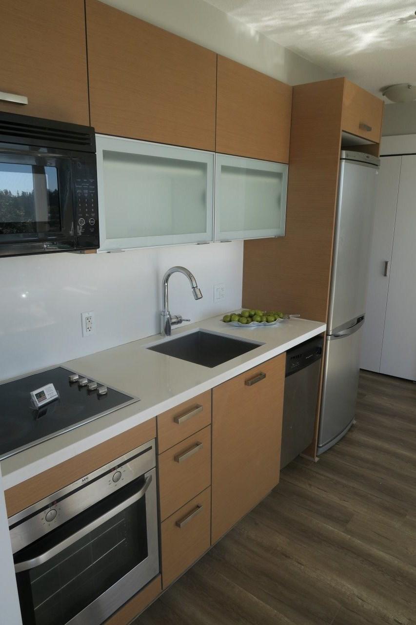 Condo Apartment at 1209 13380 108 AVENUE, Unit 1209, North Surrey, British Columbia. Image 9