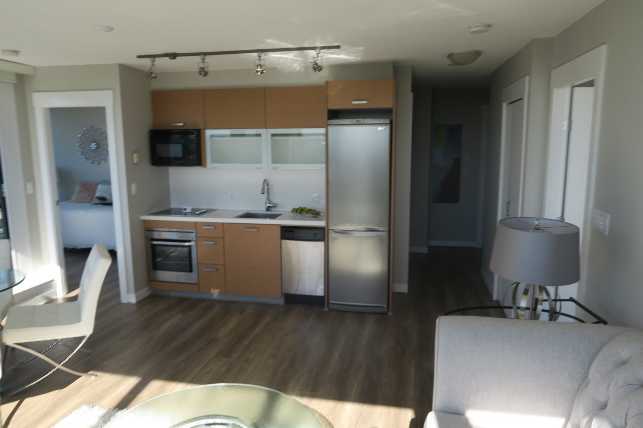 Condo Apartment at 1209 13380 108 AVENUE, Unit 1209, North Surrey, British Columbia. Image 10