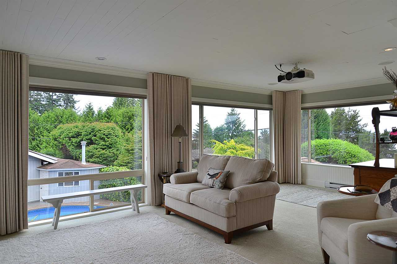 Detached at 5124 RADCLIFFE ROAD, Sunshine Coast, British Columbia. Image 9