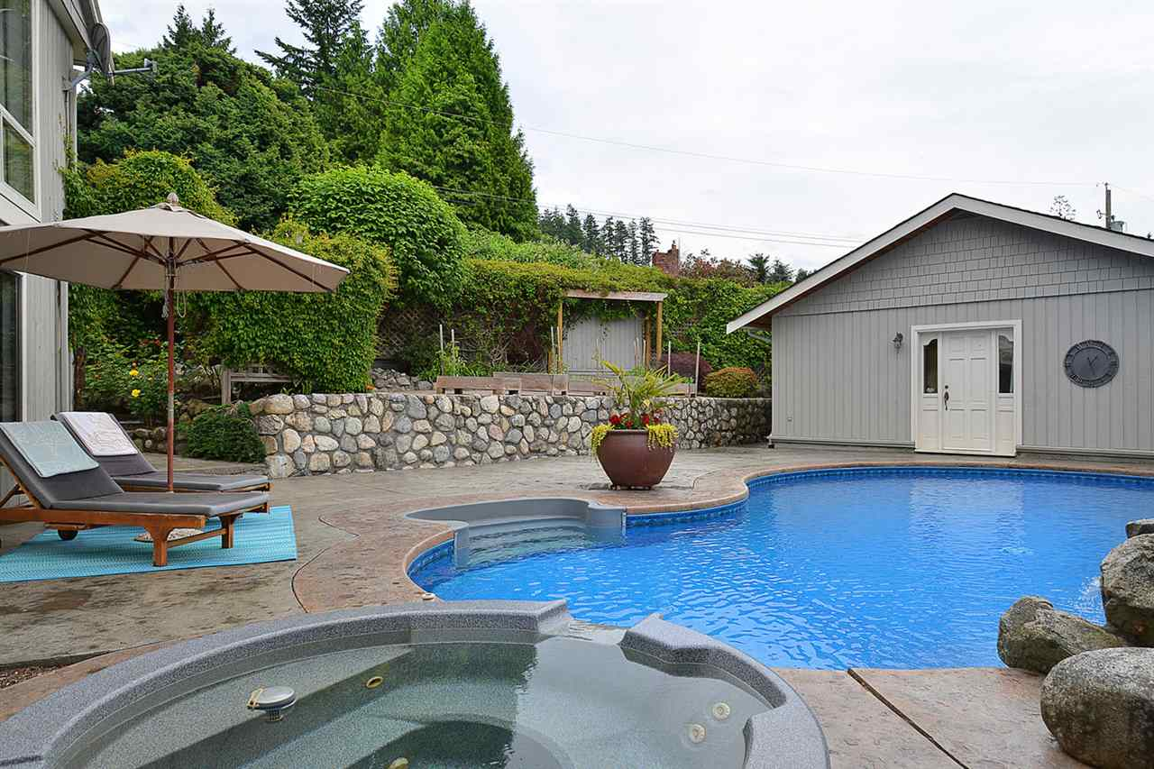 Detached at 5124 RADCLIFFE ROAD, Sunshine Coast, British Columbia. Image 19