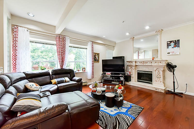 Detached at 520 E 16TH AVENUE, Vancouver East, British Columbia. Image 3