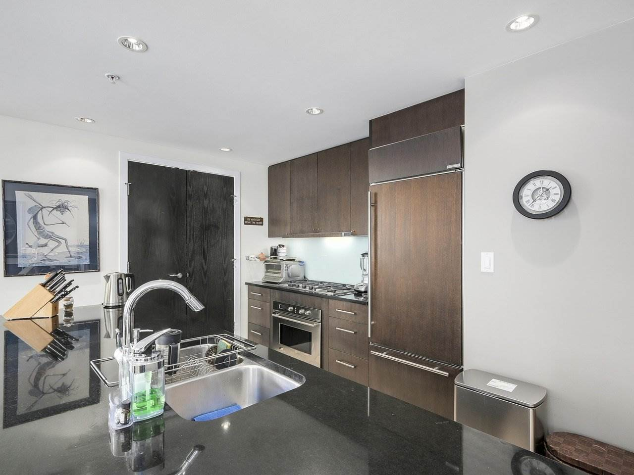 Condo Apartment at 1004 1455 HOWE STREET, Unit 1004, Vancouver West, British Columbia. Image 3