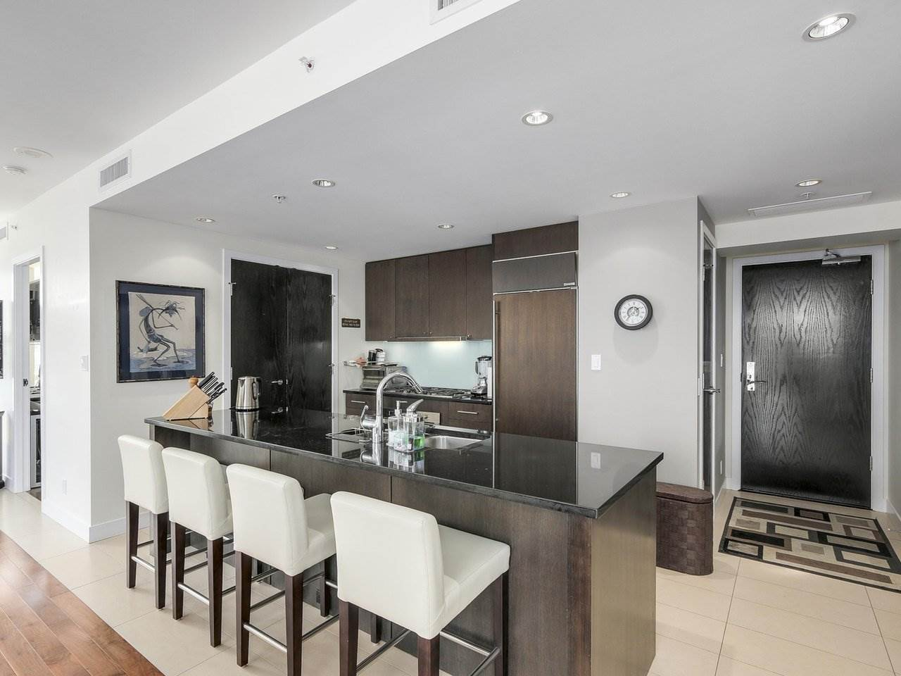 Condo Apartment at 1004 1455 HOWE STREET, Unit 1004, Vancouver West, British Columbia. Image 5
