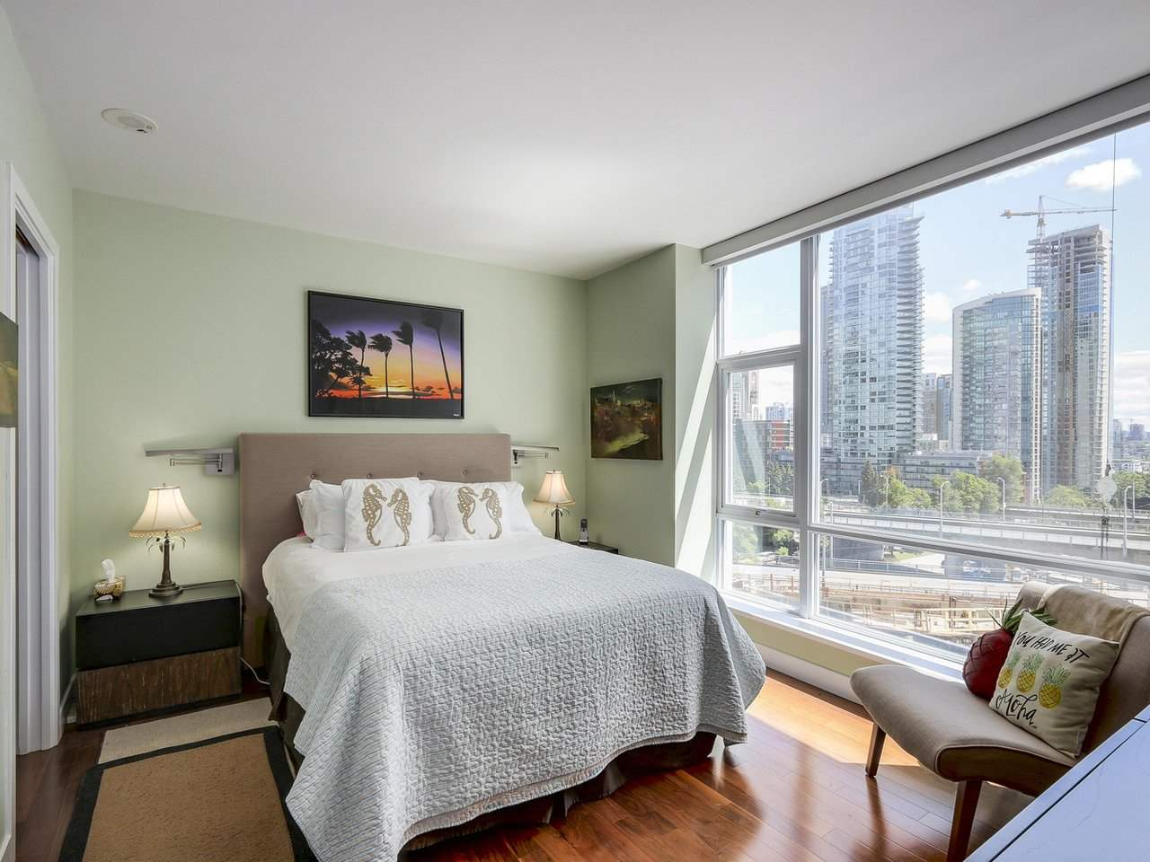 Condo Apartment at 1004 1455 HOWE STREET, Unit 1004, Vancouver West, British Columbia. Image 11