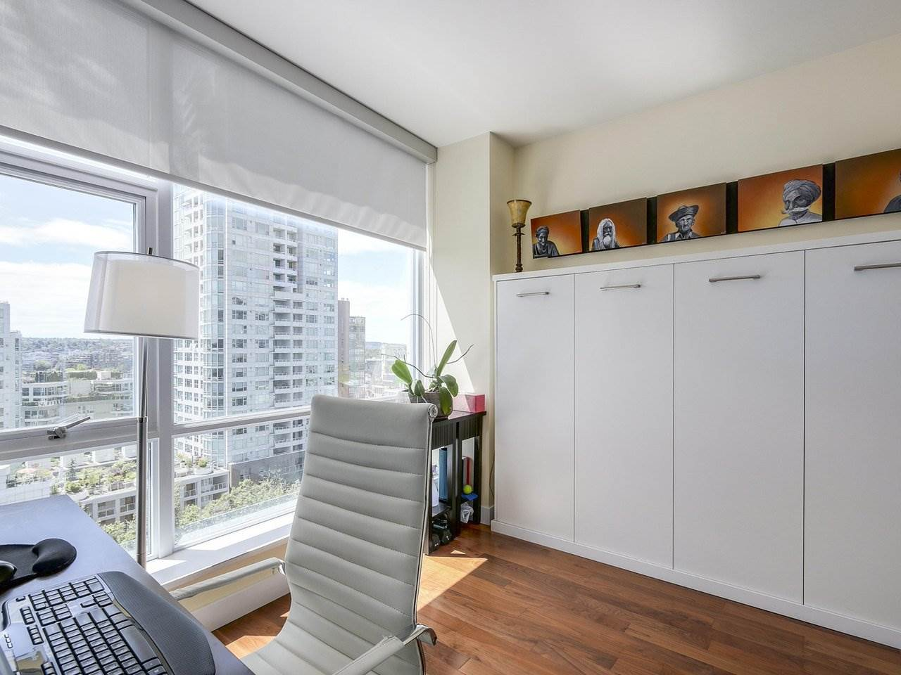 Condo Apartment at 1004 1455 HOWE STREET, Unit 1004, Vancouver West, British Columbia. Image 13
