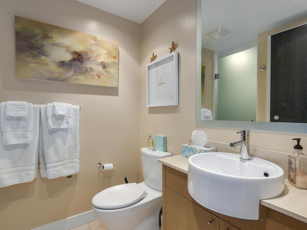 Condo Apartment at 1004 1455 HOWE STREET, Unit 1004, Vancouver West, British Columbia. Image 15