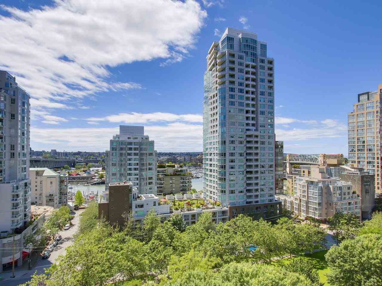 Condo Apartment at 1004 1455 HOWE STREET, Unit 1004, Vancouver West, British Columbia. Image 19