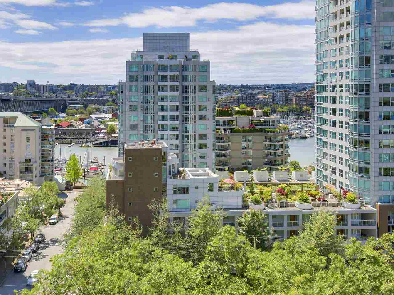 Condo Apartment at 1004 1455 HOWE STREET, Unit 1004, Vancouver West, British Columbia. Image 20