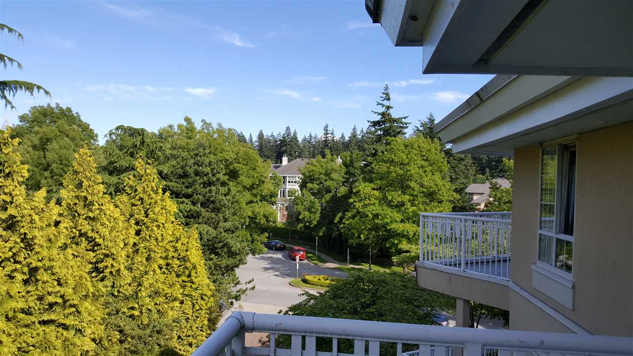 Condo Apartment at 429 5835 HAMPTON PLACE, Unit 429, Vancouver West, British Columbia. Image 15