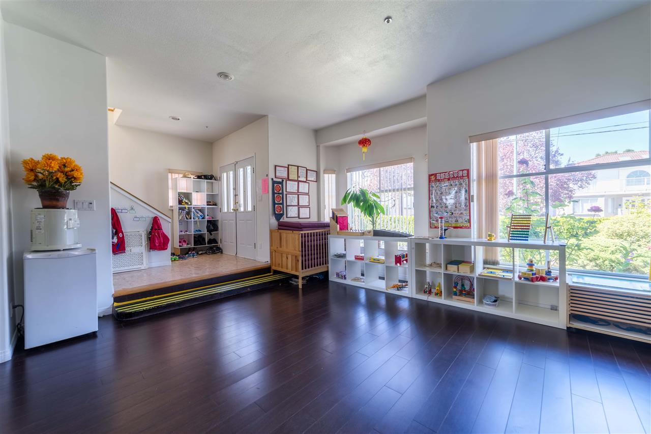 Detached at 1030 E 55TH AVENUE, Vancouver East, British Columbia. Image 3