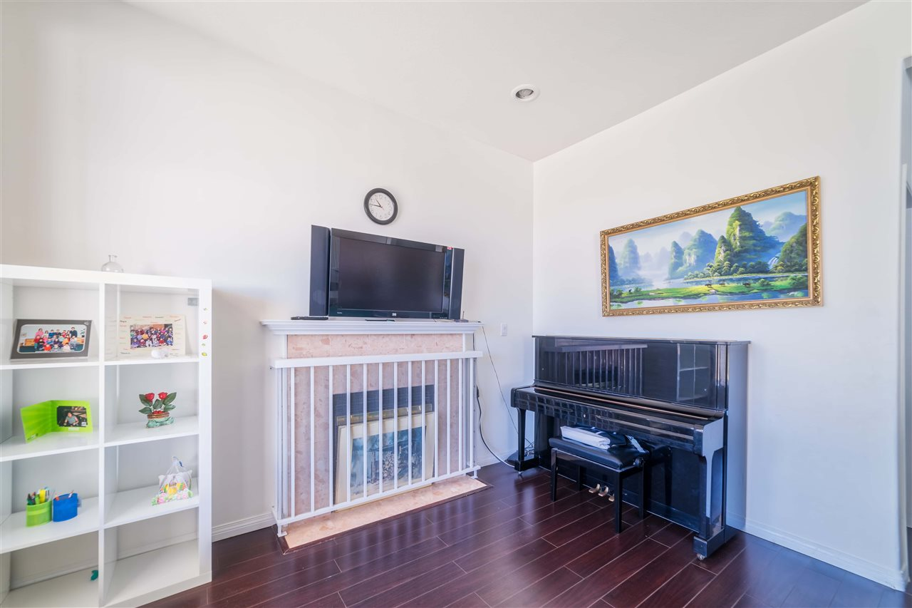 Detached at 1030 E 55TH AVENUE, Vancouver East, British Columbia. Image 6