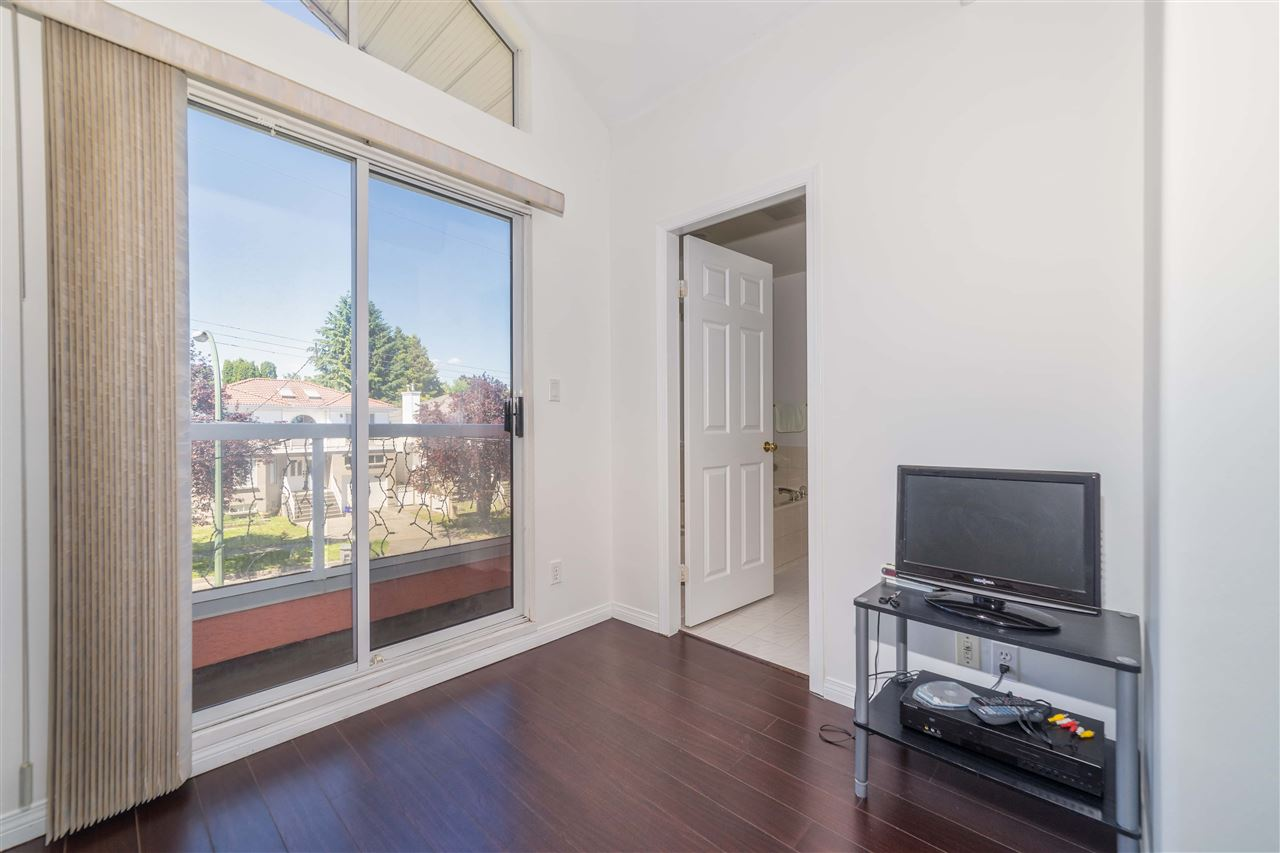 Detached at 1030 E 55TH AVENUE, Vancouver East, British Columbia. Image 11