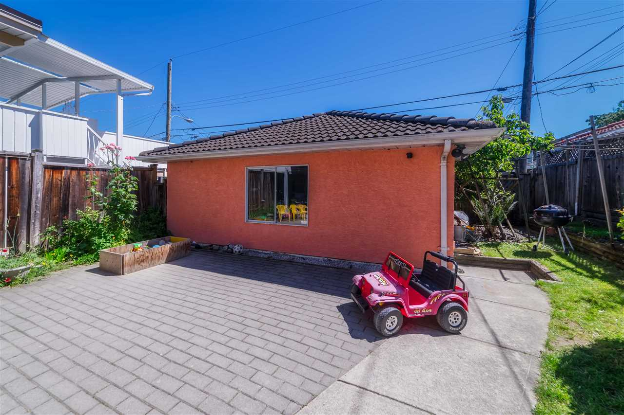 Detached at 1030 E 55TH AVENUE, Vancouver East, British Columbia. Image 20