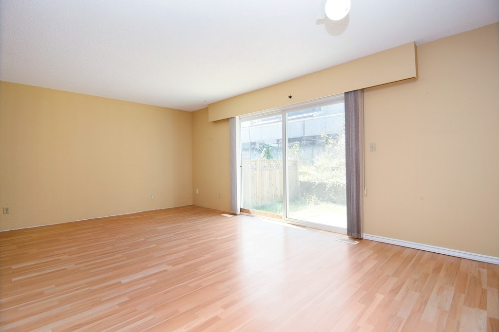 Townhouse at 127 32880 BEVAN WAY, Unit 127, Abbotsford, British Columbia. Image 3