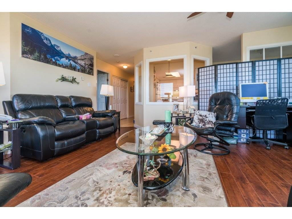 Condo Apartment at 1608 10082 148 STREET, Unit 1608, North Surrey, British Columbia. Image 6