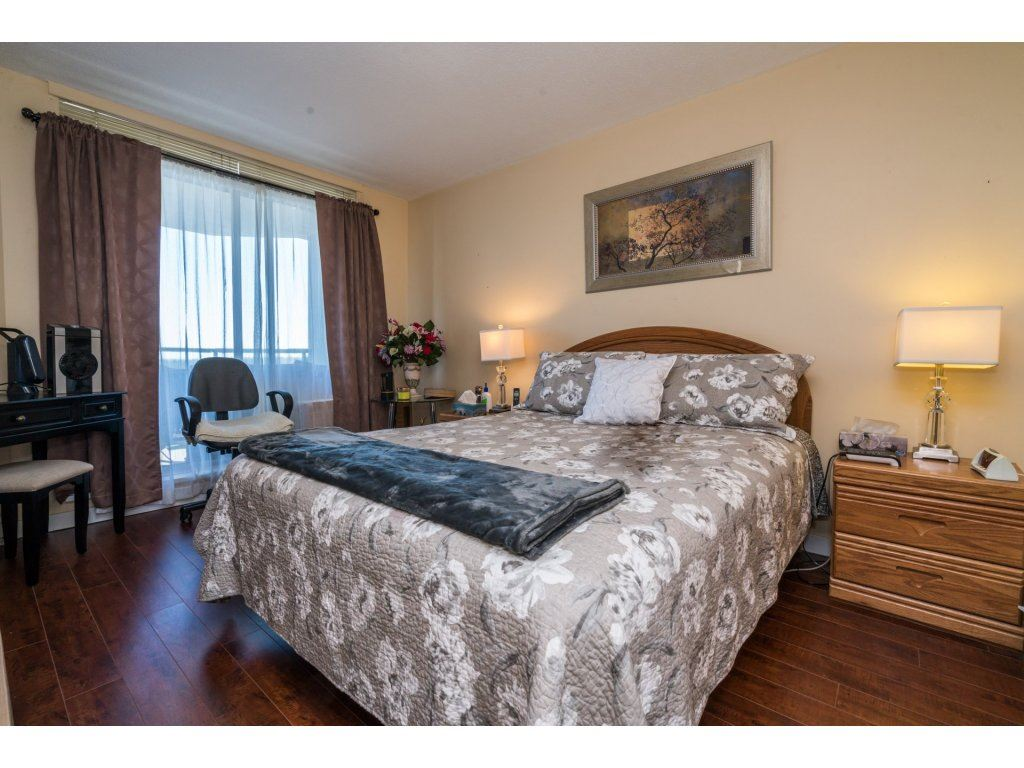 Condo Apartment at 1608 10082 148 STREET, Unit 1608, North Surrey, British Columbia. Image 14