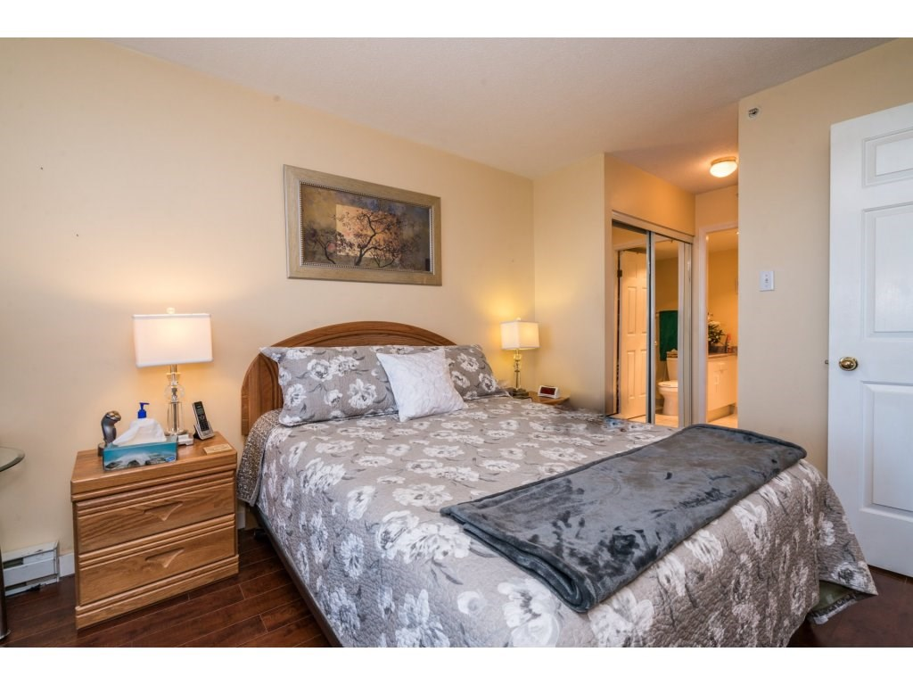 Condo Apartment at 1608 10082 148 STREET, Unit 1608, North Surrey, British Columbia. Image 15