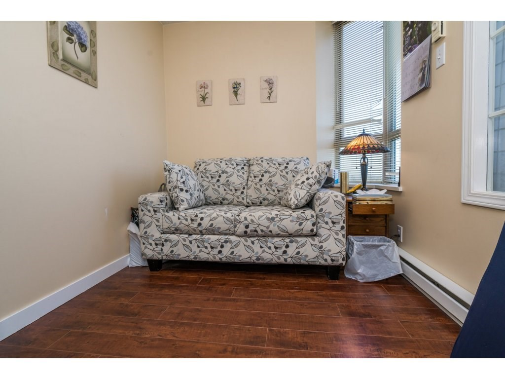Condo Apartment at 1608 10082 148 STREET, Unit 1608, North Surrey, British Columbia. Image 17